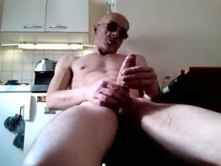 me jerk my french large cock
